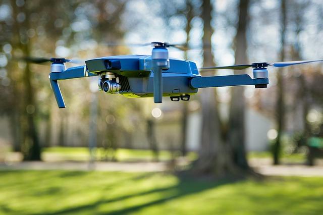 Dron v parku