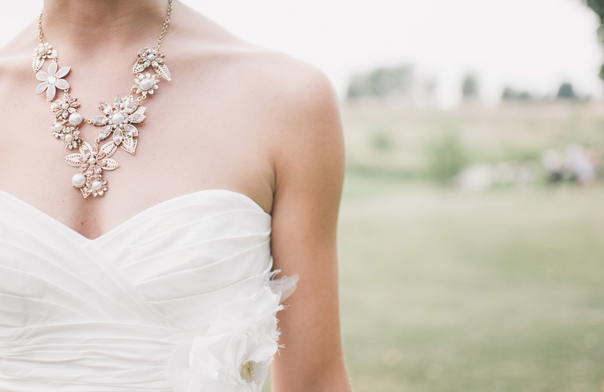 nevěsta a šperk